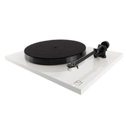 Rega Planar 1 m/carbon pick-up